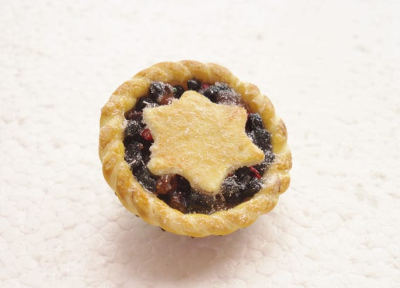 https://www.etsy.com/uk/listing/552327747/mince-pie-brooch-polymer-clay?ref=shop_home_active_3