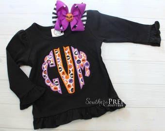 LONG SLEEVE scalloped monogram tee  - Girl's holiday - Halloween Applique Shirt - Girl's Halloween Shirt - Holiday Designs - Monogram shirt
