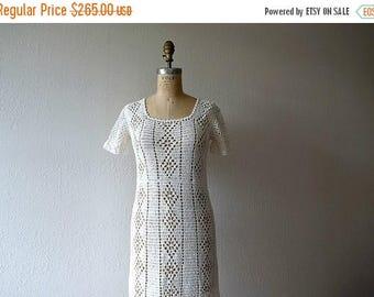 25% SALE 1920s crochet dress . vintage 20s dress