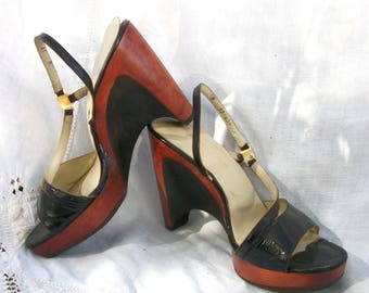 Bare Traps ~ Wood Wedges ~ Strappy ~ Slingback Strap ~ Black and Mahogany Tone ~ Vintage Shoes ~ Size 8 M