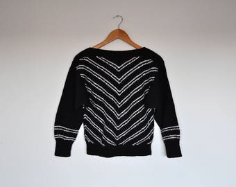 Vintage Hand Knit Black and White Chevron Striped Bat Wing Sweater Small