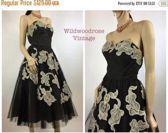 SUMMER SALE 1950's Pleated Black Tulle Cupcake Prom Dress / Rockabilly Grad Dress / 50's Strapless Cocktail Dress with Lace and Tulle - Ladi