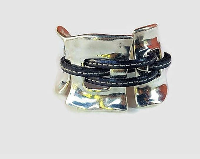 women leather bracelet,Cuff bracelet,women cuff,leather cuff,women bracelet,women leather cuff,,designer bracelet,uno de 50 style
