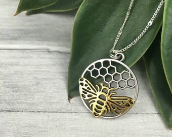 Bee necklace, honeycomb necklace, beehive necklace, queen bee necklace, gold bee necklace, honey bee necklace, bumblebee necklace, etsy uk