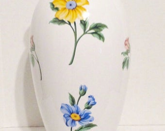 TIFFANY & CO. Sintra Floral Porcelain Ceramic Vase Portugal, Wildflowers, Wedding, Anniversary, Special Occasion Gift