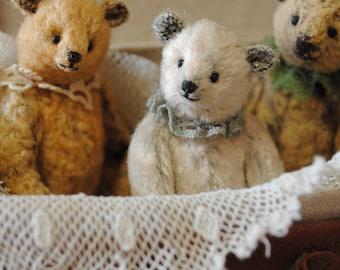 Anne ,miniature teddy bear artist by Junko Fujinami