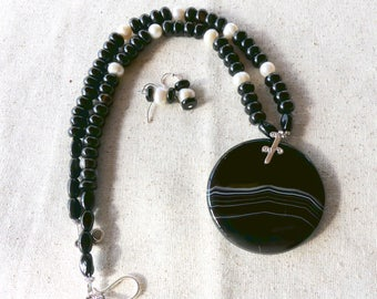 19 Inch Black Striped Agate Pendant and Beaded Necklace with Earrings
