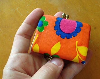 vintage groovy floral mod teeny tiny coin purse