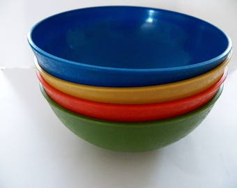 Vintage 1960's set of 4 Plastic Snack Bowls in Vibrant Colors