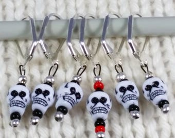 Skull stitch markers  place holders for knitting or crochet set of 7