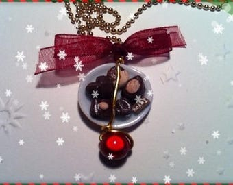Chocolate Christmas ref 90 plate pendant necklace