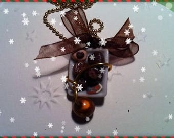 Chocolate Christmas ref 70 plate pendant necklace