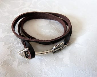 leather bracelet for men with arrow metal silver