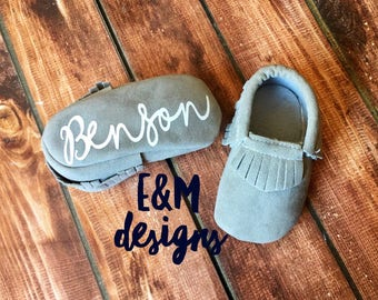Monogrammed Baby Moccasins, Baby Girl Moccasins, Baby Boy Moccasins, Monogram Newborn Moccasins, Baby Crib Shoes