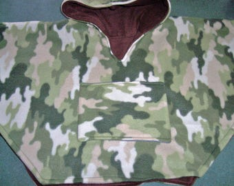 Baby poncho, Green camouflage, Hooded Toddler poncho, baby boy car seat cape