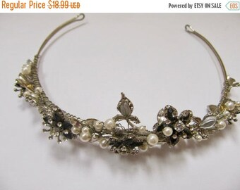 ON SALE Hand Made Faux Pearl and Rhinestone Floral Hair Piece Item K # 3257
