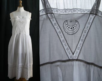 Lingerie 1920's, Slip dress/nightgown white, lace, cotton.