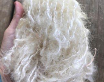 Hand spun mohair / locks spun yarn / white hand spun yarn/ natural no dye/ made in Canada/ 30g 26 yards
