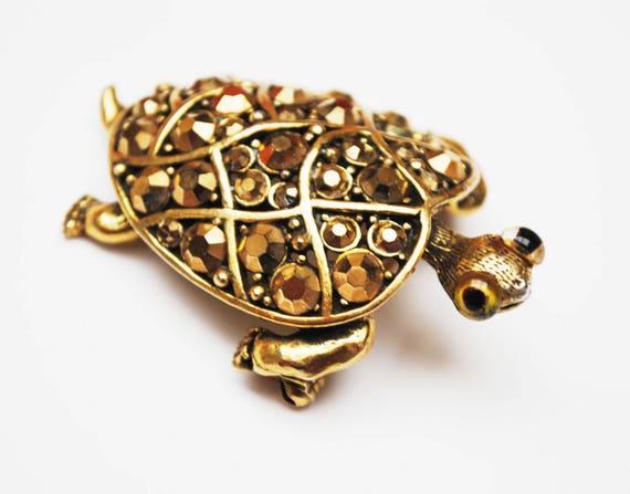 Gold Rhinestone Turtle Brooch - Hollycraft Signed designer - Animal figurine pin