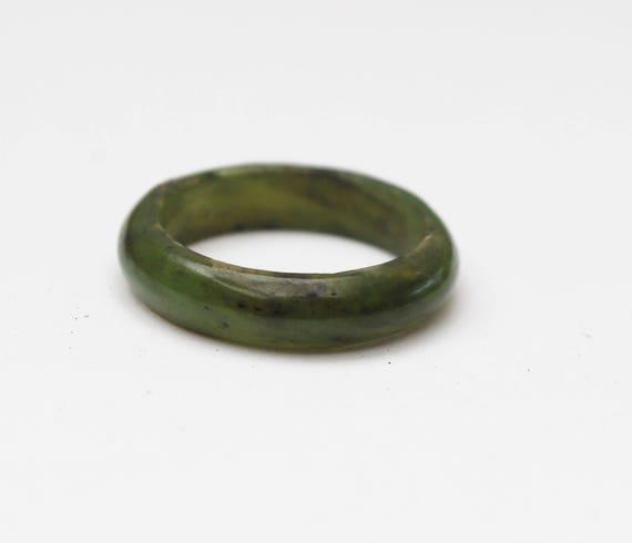 Nephrite Jade  Ring - Green Gemstone Band - size 7 1/2