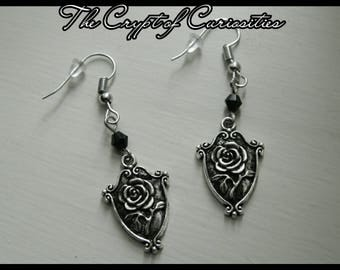 Gothic rose shied earrings.