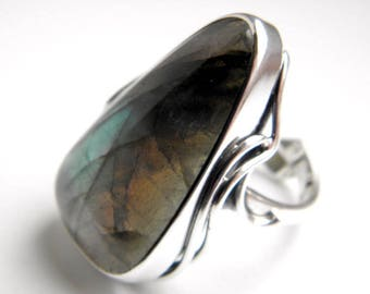 SALE 25% OFF!!! Use the coupon code: SALE25 Labradorite sterling silver ring - adjustable