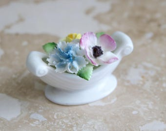 Small Royal Doulton flower basket, porcelain flower basket, porcelain china, Royal Doulton England bone china flower basket mini