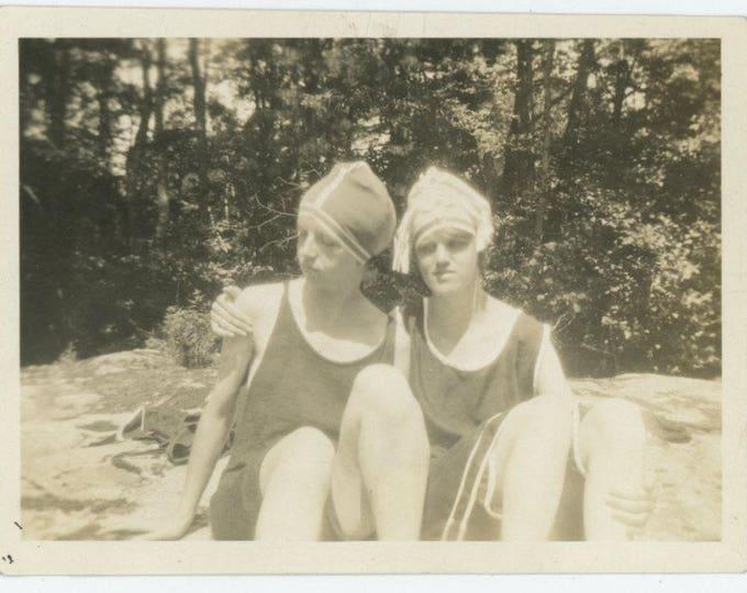 Watching the Hand: Vintage Snapshot Photo, c1920s (712632)