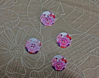 4 wooden buttons with a big pink flower