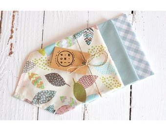 Lot of 3 handkerchiefs in cotton bio blue cloud range: a pastel sheets, a vichy, a United, zero waste, ecological and economic.
