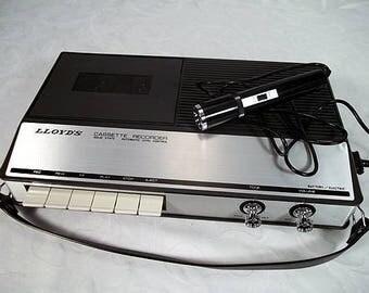 Vinatge LLOYD'S Model 1V20L-114A Solid State Cassette Recorder Made in Japan