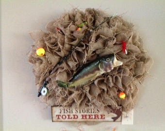 Fishing wreath for the lake cabin
