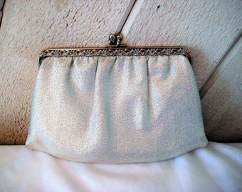 Silver lame clutch with tuck in chain handle, small silver purse, evening formal bag, decorative, 60s, 70s, bags and purses