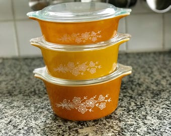 Vintage 1970s Pyrex Butterfly Gold Redesign 470 Full Set * Round Casseroles with Lids