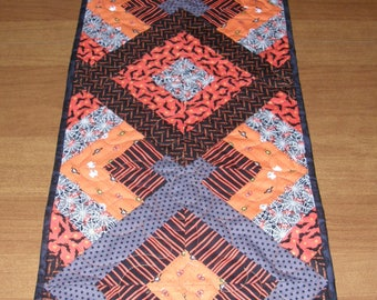 Halloween Quilted Table Runner, Table Runner Quilt Halloween, Orange Black Halloween Table Runner, Quiltsy Handmade, Halloween Quilt