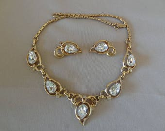Stunning Vintage Kramer Rhinestone Necklace & Earring Set
