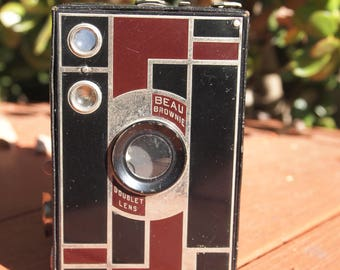 ART DECO Kodak No. 2A Beau Brownie Box Camera, Walter Dorwin Teague Designed