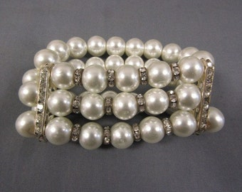 Audrey Hepburn Pearl and Crystal Stretch Bracelet by Camrose & Kross - Creamy White