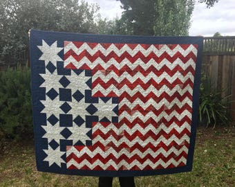Flag Wall Hanging Quilt - Patriotic Decor - Americana Quilt - Fiber Art - Flag Quilt