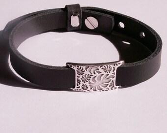 Black leather bracelet with silver-plated leaves-slider
