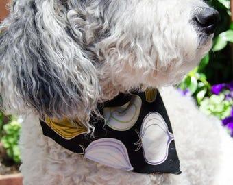 """Dog Bandana Onion Print on Black Background - Wahsable Cotton - Dog Scarf -Dog Clothing - Dog Apparel - Puppy Bandana  11"""" by  8"""" Large"""
