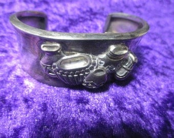 Signed Vintage heavy sterling silver bracelet with Southwest pots