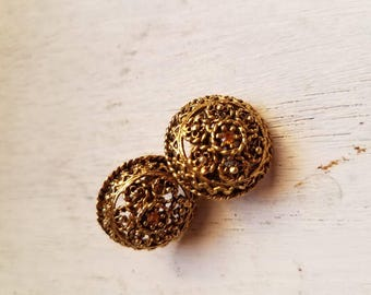 Vintage Gold Colored Filigree Clip on Earrings