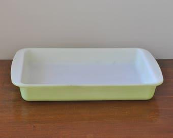 Vintage PYREX #232 2 QT Lime Green Baking Dish