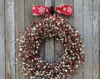 Winter Wreath, Snowflake Wreath, Red Ivory Pip Berry Wreath, Christmas Pip Berry Wreath, Pip Berry Wreath, Holiday Wreath, Christmas Wreath