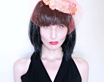 1950s Vintage Hat / 50s Pillbox Hat / Hat with Veil / Orange Flowers