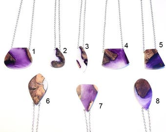 Long necklaces and necklaces - necklace - purple - resin and inclusion wood