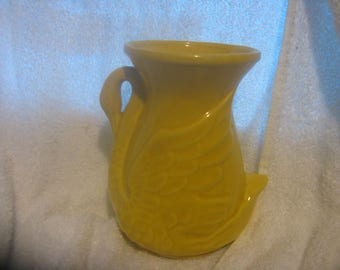 SHAWNEE SWAN VASE # 806 Yellow