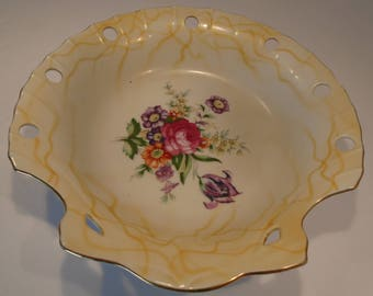 VINTAGE UCAGCO Beautiful Bowl with Rose and Flowers