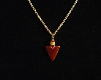 Vintage Red Agate Arrowhead Pendant Gold Tone Mesh Necklace